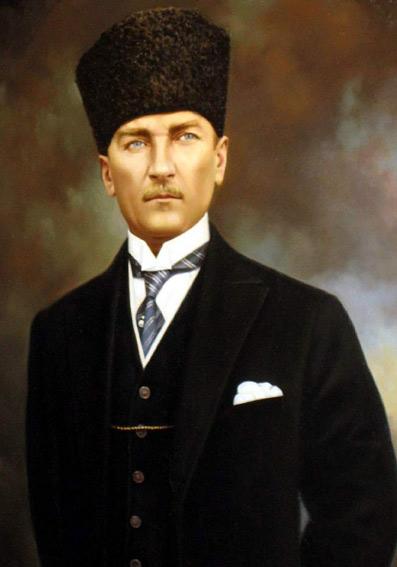 Atatürk-en-frontløber-01-Sarah-McKechnie